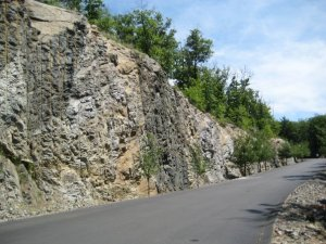 Cliff face beside the road to the top of Waltham's Bear Hill